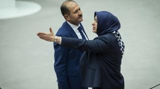 HDP'li Beştaş'ın skandal 15 Temmuz benzetmesine AK Partili Özlem Zengin'den sert tepki
