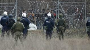 Alman basını Yunan'ın mültecilere uyguladığı zulmünü yazdı