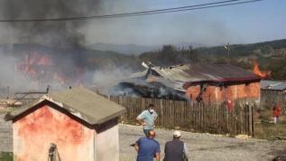 Bolu'da çok sayıda ev yanıyor