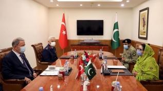 Bakan Akar'dan Pakistan'da önemli açıklamalar