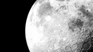 NASA Ay'da su bulduğunu açıkladı
