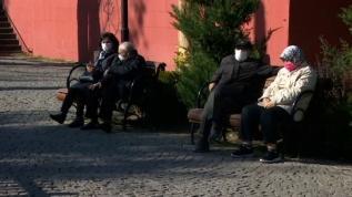 65 yaş ve üzeri ile 20 yaş altı vatandaşlar kendilerine tanınan sürede sokağa çıktı