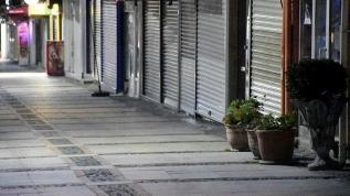 Cumartesi saat 20.00'de başlayan 14 saatlik sokak kısıtlaması sona erdi