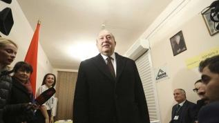 Sarkisyan'dan hükümete istifa çağrısı