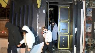İstanbul'un göbeğinde skandal! Karartılmış camlar ele verdi