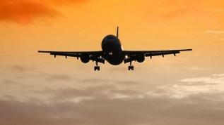 Moody's: İngiltere'de havalimanı trafiği yüzde 75 azalacak