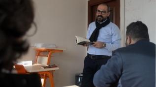Azmin zaferi Türkçe konuşamıyordu, öğretmen olup kitap yazdı