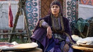 Yeşim Ceren Bozoğlu: Dizi kadınları onurlandırıyor