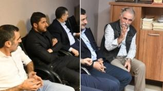 CHP'li belediye başkanı terör paçavralarının duvarlarını süslediği HDP binasını ziyaret etmiş