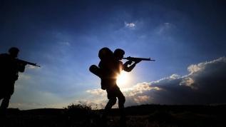 Taciz ateşi açtılar... 2 PKK'lı terörist etkisiz hale getirildi