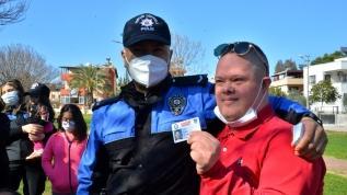 Engelli çocukların 'polis kimliği' mutluluğu