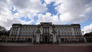 İngiltere'de ırkçılık suçlamalarının ardından sosyal medyada 'monarşinin kaldırılması' çağrıları yapılıyor