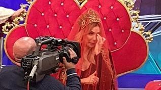 Tuğba Özerk'e düğün provası sürprizi