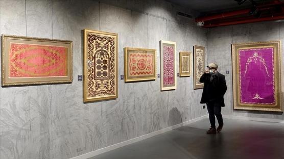 Osmanlı'nın tarihi ve kültürel zenginliğini yansıtan 'Kalbe Dokunan İlmek' sergisi açıldı