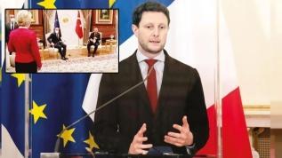 Fransız bakan itirafa rağmen Türkiye'yi suçladı