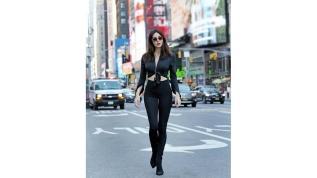 New York caddelerinde Defne pozları