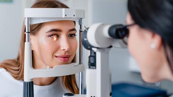 Ailenizde göz tansiyonu varsa 7 kat risktesiniz