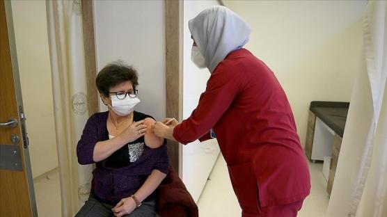 55 yaş ve üzeri vatandaşlar için aşılama başladı