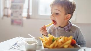 Çocuklarda duygusal yeme arzusu arttı