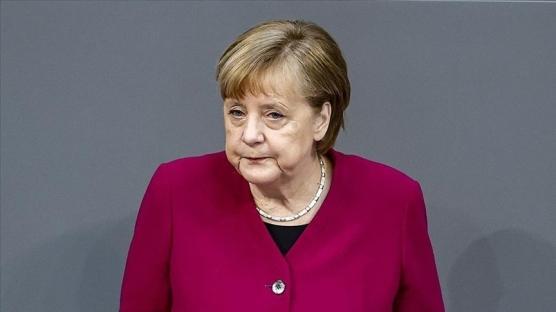 Merkel: Sanayileşmiş ülkeler iklim değişikliği ile mücadeleye devam etmeli
