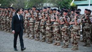 Fransa'da darbe sesleri! Macron'u açık açık uyardılar