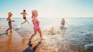 Çocuklukta güneşe maruz kalmak kanser riskini artırıyor