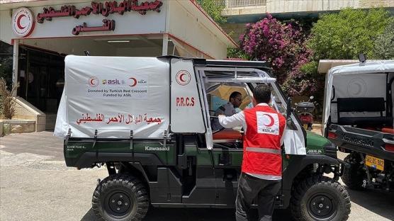 Türk Kızılaydan Filistin Kızılayına ambulans bağışı