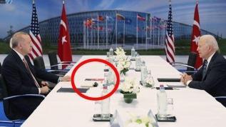 Başkan Erdoğan-Biden zirvesinde dikkat çeken kitap