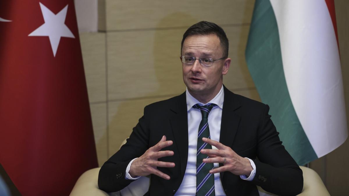 Macar bakandan Türkiye'ye destek: Verilen sözler yerine getirilmeli