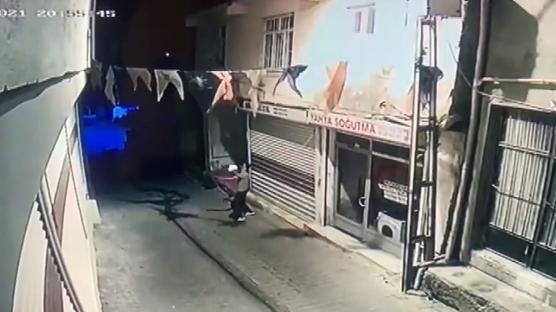 AK Parti Hani İlçe Başkanlığına molotofkokteylli saldırı... 2 kişi gözaltına alındı