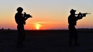 Sınırda biri PKK'lı 4 kişi yakalandı
