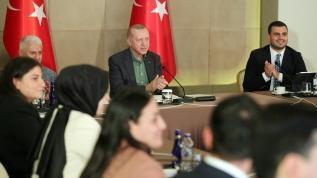 Başkan Erdoğan Babalar Günü'nde gençlerin sorularını yanıtladı