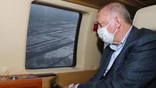 Başkan Erdoğan'ı taşıyan helikopter hava muhalefeti nedeniyle Rize'ye indi