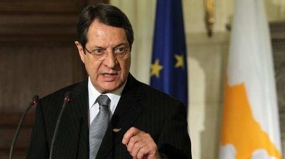Kıbrıslı Türklere pasaport tehdidi