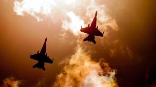 ABD giderayak Taliban'ı bombaladı