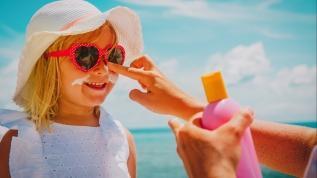 Deri kanserinin bir nedeni de güneş yanığı