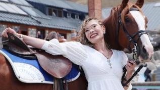 Kadın doktorun at sevgisi