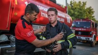 Yangına müdahale için balayını erteledi: Eşim de burada olmam gerektiğini söyledi