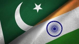 Pakistan: Hindistan yabancı gazetecilerin Cammu Keşmir'e geçişini engelledi