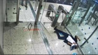 Midesinde patladı, İstanbul Havalimanı'nda öldü