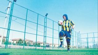 Azize Teyze'nin futbol aşkı