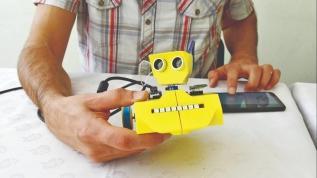 Öğretmenden Kodlama derslerine özel robot