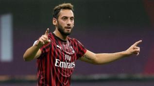 Hakan Çalhanoğlu krizi Inter'i ikiye böldü! Yıldız oyuncu rest çekti