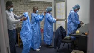 Güney Afrika'da koronavirüs: Üçüncü dalga sona erdi