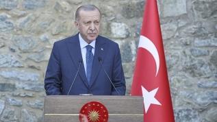 """""""Irkçılık, İslam ve yabancı düşmanlığıyla ayrımcılık Avrupa'daki Türk toplumunun başlıca sorunları"""""""