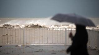 """Meteoroloji'den 11 kente """"kuvvetli yağış"""" uyarısı"""