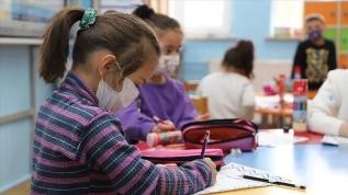 Bakan Koca: Okulların kapanması söz konusu değil