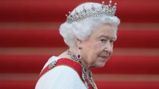 Kraliçe 2. Elizabeth, yıllar sonra ilk kez hastanede yattı