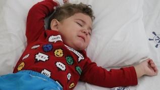19 aylık Murat'ın midesinden 17 mıknatıs çıktı